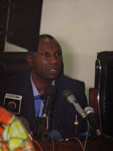 Le coach Florent Ibenge Ikwange, Sélectionneur Principal des Léopards RD Congo lors de l'une de ses conférences de presse à la Maison du Football Congolais (FECOFA)